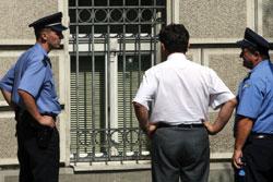 Policija ispred grčke ambasade